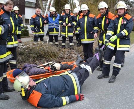 Übung Feuerwehr Tiefenrettung (3)