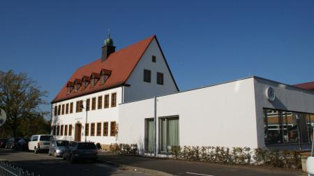 Schule Zapfendorf mit Bücherei