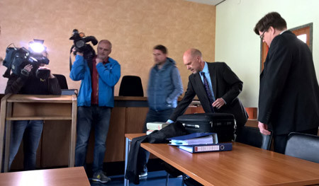 Schneiderbanger Verhandlung 2015 2 450