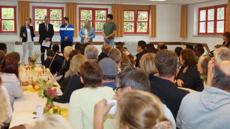 Begrüßung jugendliche Flüchtlinge Zapfendorf 2015 (1)