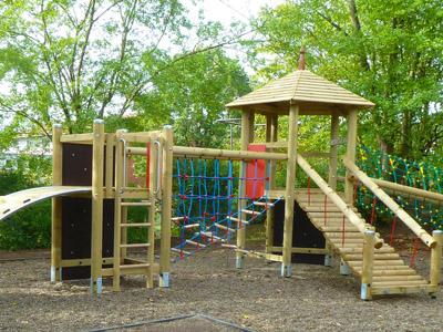 Klettergerüste Kindergarten : Kindergarten erhielt neue spielgeräte bamberg nachrichten