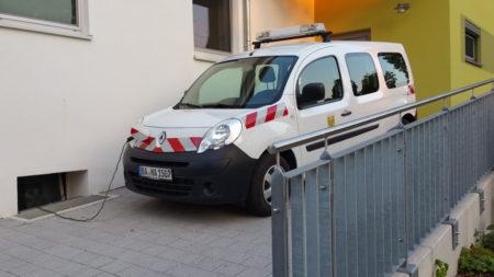 elektrofahrzeug-mensa-hallstadt-2016